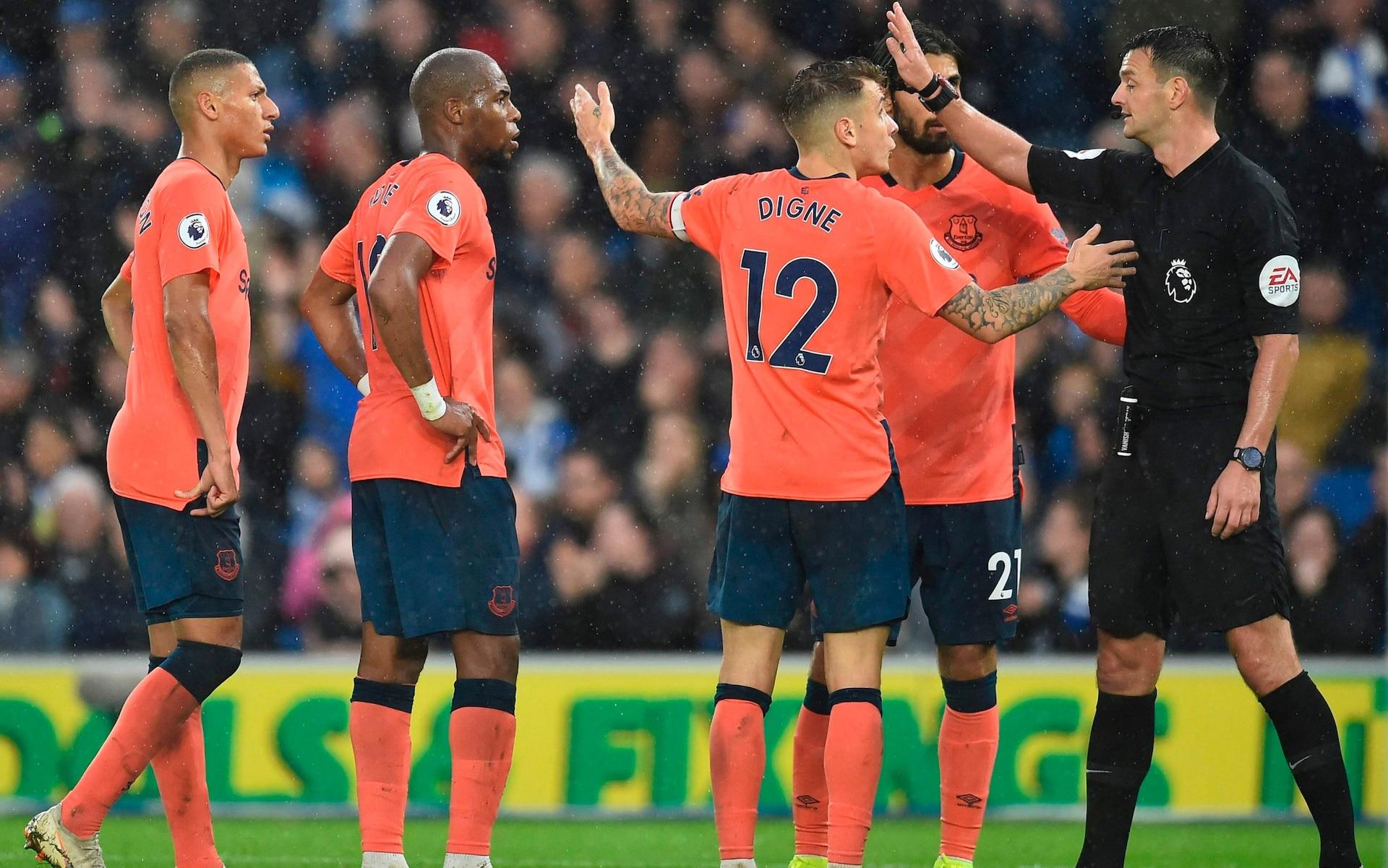 Everton penalty by VAR